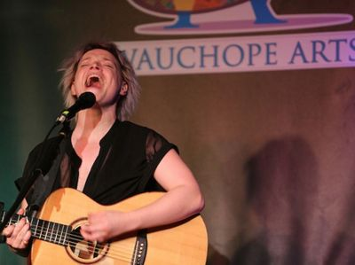Wallis Bird at Wauchope Arts hall 2017
